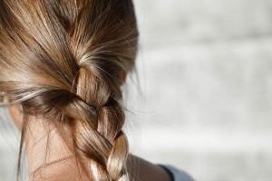 tabletki szampon witaminy preparat na wypadanie włosów