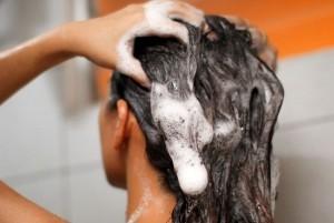 Ranking Najlepszych preparatów i witamin na wypadanie włosów 2019 - tabletki i szampony, które są skuteczne?